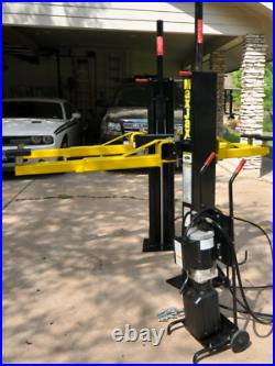 Dannmar MaxJax Portable 6,000 LB 2-Post Car Lift